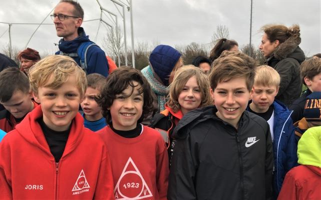 Spannende crossfinale jeugd Warmenhuizen 2019