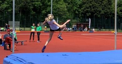 Roos van Dijk (15)